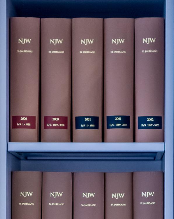 Bücher Rechtsanwalt Kanzlei Lutz und Kerschner Ingolstadt